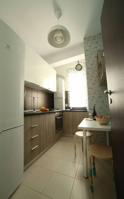 Apartament accente retro si scandinave (1)