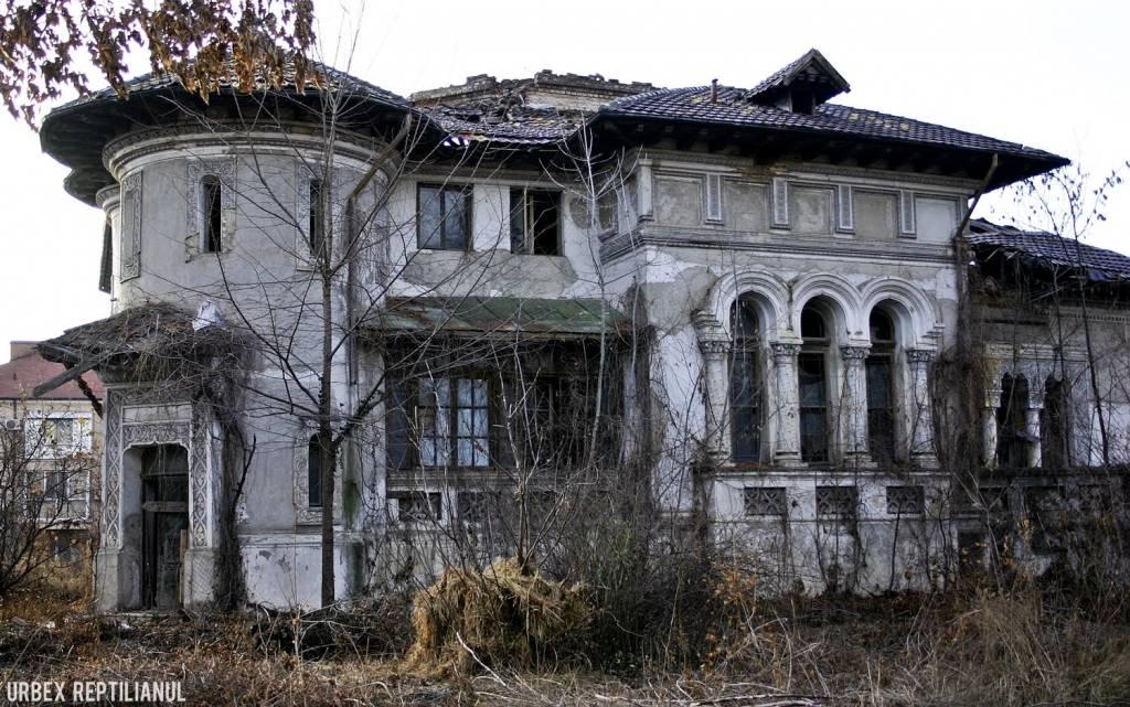 Casa Miclescu, pe vremuri locul de intalnire al familiilor instarite, lasata in paragine