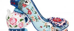Pantofii inspirati din Alice in Tara minunilor