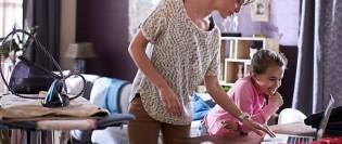 tipsuri care te vor ajuta să calci mult mai ușor hainele