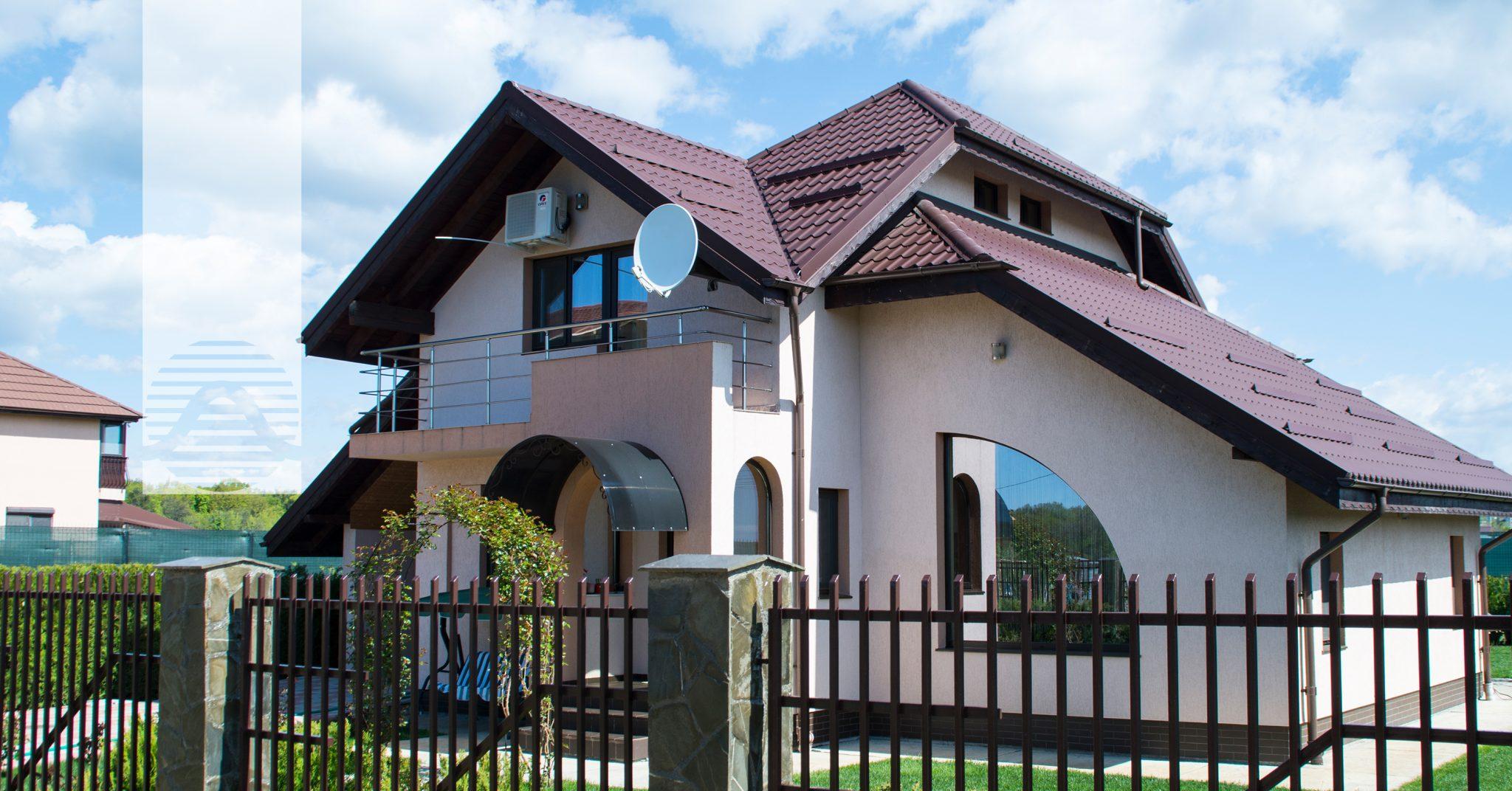 Simulator Tencuiala Decorativa.Culoarea Potrivită Pentru Un Acoperiș Modern Concept Casa