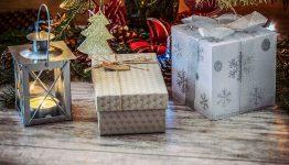 Idei cadouri de Moș Crăciun pentru copii, părinți și bunici