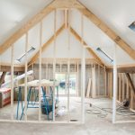 4 informații financiare pe care trebuie să le cunoști dacă îți dorești propria ta casă